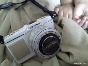 Olympus Pen E-P1 (white) with kit lens and pancake lens